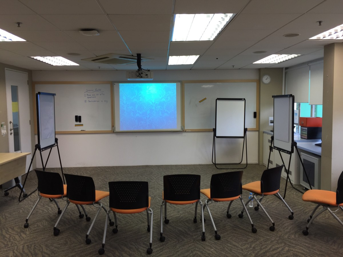 Classroom chairs education class leslievillegeek tv - Interior design education requirements ...