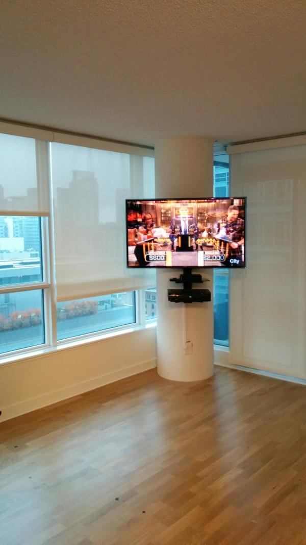 Circular Pillar TV mount